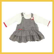 100%cottonเสื้อกับกระโปรงสำหรับเด็กผู้หญิงแขวนชุด