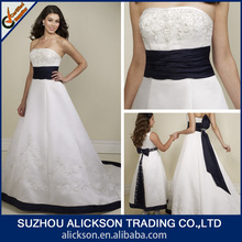 Hot Sale Strapless Sweep Train Embroidered Black And White Wedding Dresses 2012