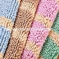 tapis en feutre avec la couleur différente