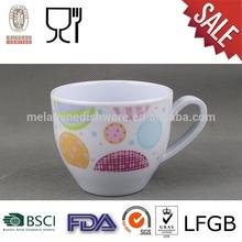 เมลามีนถ้วยกาแฟด้วยการออกแบบปรับแต่ง