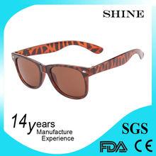 Wayfarer china factory 2015 top unisex fashion promotional plastic sunglasses