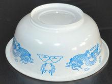 Christmas disposable plastic white bowl ; noodle ;meat ;hot soup