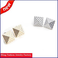 Latest New Arrival Wholesale OEM Hot Selling Fashion old pyramid stud earrings