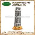 resina de pisa de italia con la torre de luz para los recuerdos