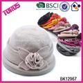 de color beige fieltro sombrero deinvierno sombrero hecho punto con la flor hecha a mano de los sombreros de lana