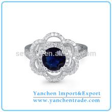 Alibaba Wholesale Flower Shape Rhodium Plated Prong Setting CZ Diamond Wedding Ring