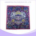 Vente en gros style populaire prix correct Écran foulard de soie d'impression