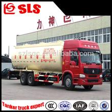 Sinotruk Howo 3 eixos 6 * 4 usado em massa cimento petroleiro caminhão