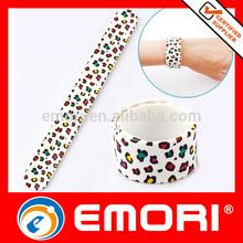 2014 fashion novelty gift customized promotional slap wrist band