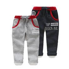 Kz-3170 wholesale2014 otoño y el invierno ropa nueva de corea del alfabeto personalizada chicos de los niños se divierte los pantalones casuales pantalones