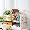 criativa prateleira de exposição com a função de pequena estante de livros
