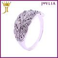 profesional fábrica de joyería de cristal de suministro descripción de un anillo de bodas