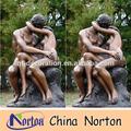 Baciare nudo uomo e donna statua di bronzo ntbh- s0186