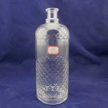 High-end empty glass spirits bottles for water oil