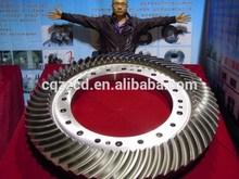 Spiral bevel gear and bevel gear shaft