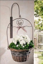 decorative willow wicker wall hanging basket with metal bracket and hook 107-13131