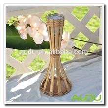 Audu antorcha de bambú de la vela de citronela en la mesa