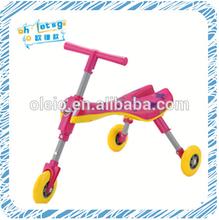 A venda quente 3 roda populares scooter chute crianças. Crianças andam em carro