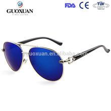 2015ผู้ชายแว่นตากันแดดราคาถูกผู้หญิงสาวเย็นค้างคาวกระจกuvนักบินแว่นตากันแดดแว่นตาโพลาไรซ์
