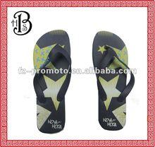 2012 popular fashion flip flop for men