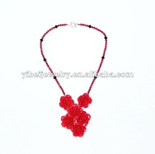 fashionable elegant decorative red flower coral necklace