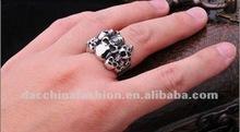 2012 fashion Punk Skull ring
