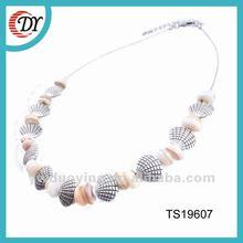 seashell necklace jewelry