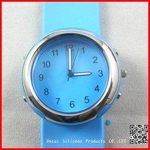 2012 Fashion Quartz Ladies silicone wrist watch Top Band