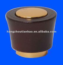 Wooden perfume cap with aluminum