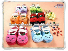 anti slip newborn babt sof fit cartoon design latest design best selling cute baby shoe socks small MOQ indoor warm socks shoe