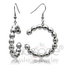 Newest stainless steel beaded hoop earring design