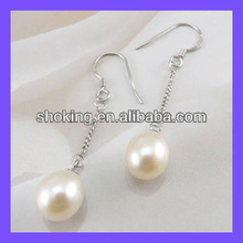 Promotional White Color Fashion Accessory Earrings For Young Girls With A Competitive Price