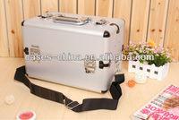 Professional aluminium makeup train grooming case