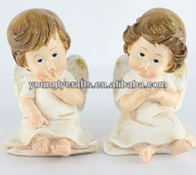 Mini polyresin shy sitting baby angel figurines for gifts