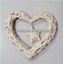 deco wicker heart natural