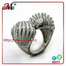 R6171E white enamel kissing snake jewelry ring in silver