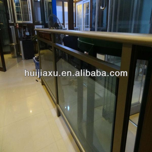 Made in China de aluminio barandillas para exterior pasos con el vidrio en fábrica de Guangzhou