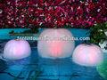 el jardín y la piscina decorar fuente de agua