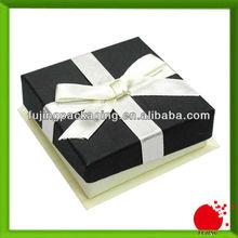 Rigid classic gift box for Christmas