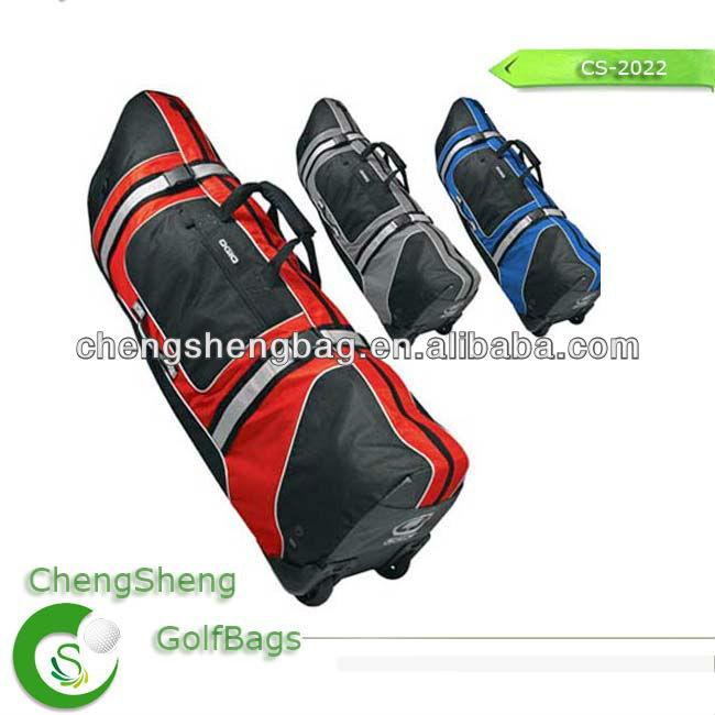 Golf bag with wheel