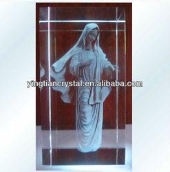 The virgin Maria crystal figurine