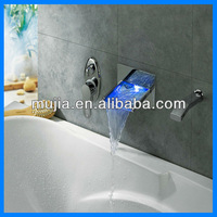 LSW04 2012 hot sale Three Color Changing LED brass Uk bath faucet