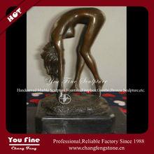 Elegant Antiques And Bronze Statues