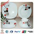 Vaisselle en porcelaine de forme carrée, vente en gros 20 pcs dîner en céramique set, blanc autocollant personnalisé plaques& setstableware tasse de thé
