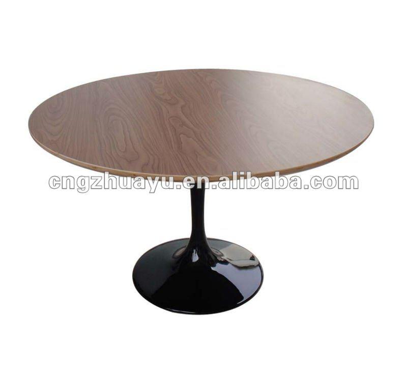 Saarinen Tulip Coffee Table Saarinen Tulip Coffee Table