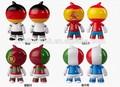 2014 promoção copa do mundo de jogador de futebol de brinquedo figura, hot vendemos 3d vynil figura, custom made bandeira copa do mundo de esportes de ação figurine
