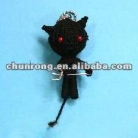 Nuevos baratos de tela hecha a mano de cuerdas voodoo muñecas, muñecas de trapo negro llaveros de juguete