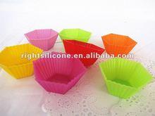 Polygon mini silicone cupcake moulds
