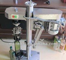 Manual capping tool