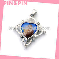 2015 best selling zinc alloy heart shaped photo frame pendant